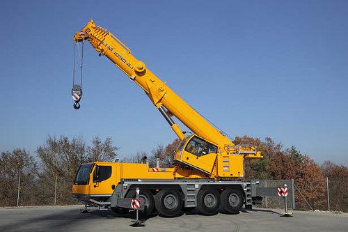 Автокран Liebherr LTM 1090 (90 тонн)