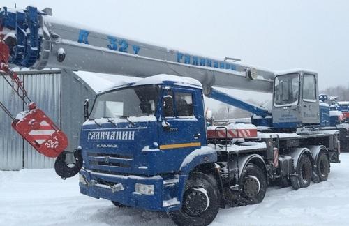 Аренда услуг автокрана 32 тонны в Рошале
